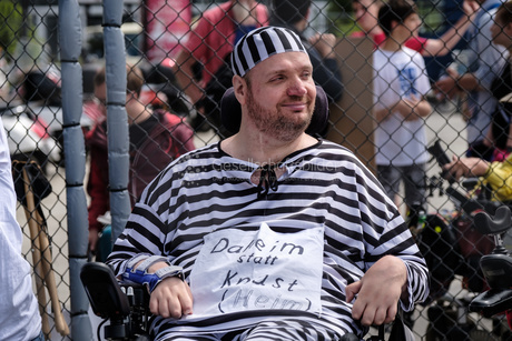 NichtMeinGesetz Protestaktion im Käfig