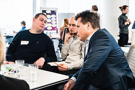 Runder Tisch zum Thema Ausbildung und Inklusion 1. Runder Tisch zu Ausbildung und Inklusion von JOBinklusive