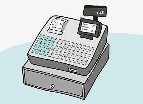 Eine elektronische Registrier-Kasse mit abschließbarer Geld-Schublade und Bon-Drucker. Der entstehende Bon hat die Überschrift: Supermarkt. Auf dem Bon und auf der mehrzeiligen Anzeige für Bediener*innen steht jeweils: 6 x 1,20 – 7,20, Apfelsaft, Gesamt – 7,20. Auf der einzeiligen End-Preis-Anzeige steht: 7,20.