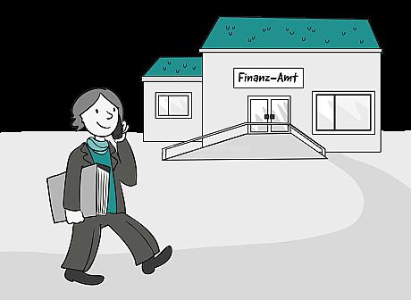 Eine Frau hat einen prall gefüllten Akten-Ordner unter dem Arm. Sie läuft zu einem Gebäude im Bild-Hintergrund. An dem Gebäude ist ein Schild: Finanz-Amt. Die Frau hält ein Handy am Ohr und telefoniert.